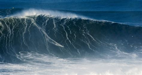 9 of the Most Mind Blowing Moments from Nazare This Season