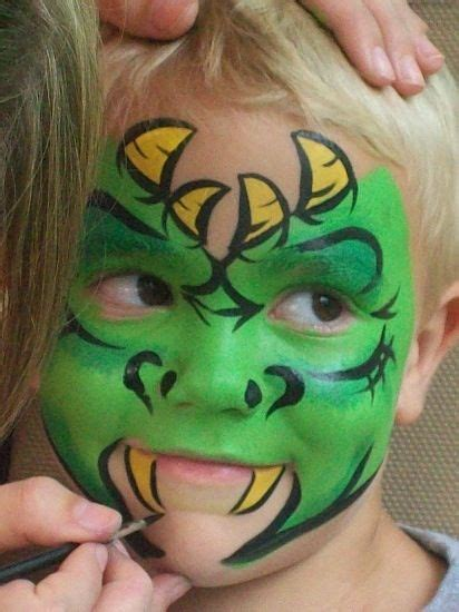 Love this dragon face!! Totally trying this!! | Halloween