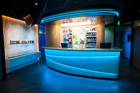 Electric Sun Tanning Salons, Coral Gables 33143, South