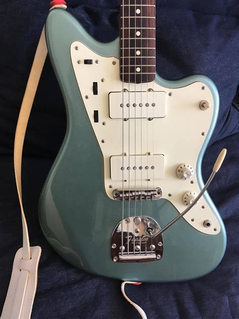 Re: Post pics of your guitar family - Page 250