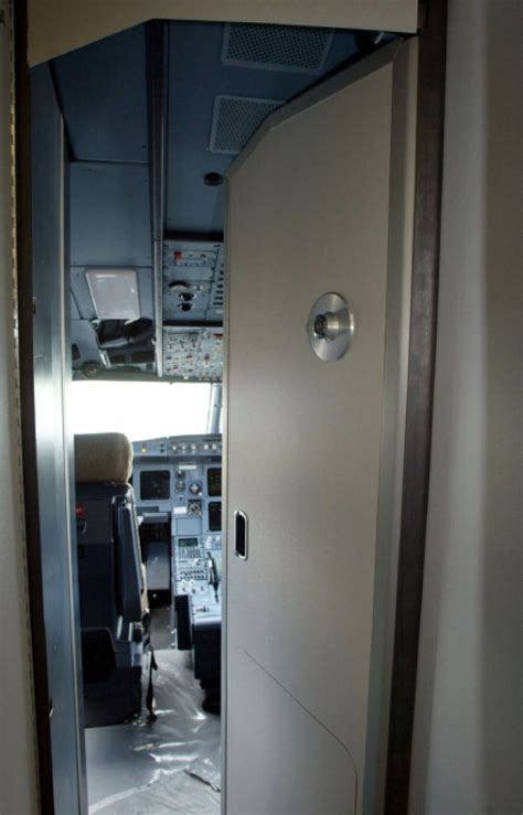 Jet cockpit doors nearly impossible to open by intruders